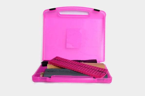 Fährtenkoffer Carry klein pink incl. 7 Fährtengegenständen